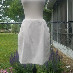 Anne Klein A-line corduroy Ivory skirt size 8